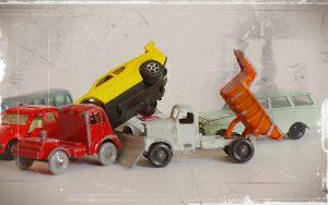 Altes Foto von Spielzeugautos